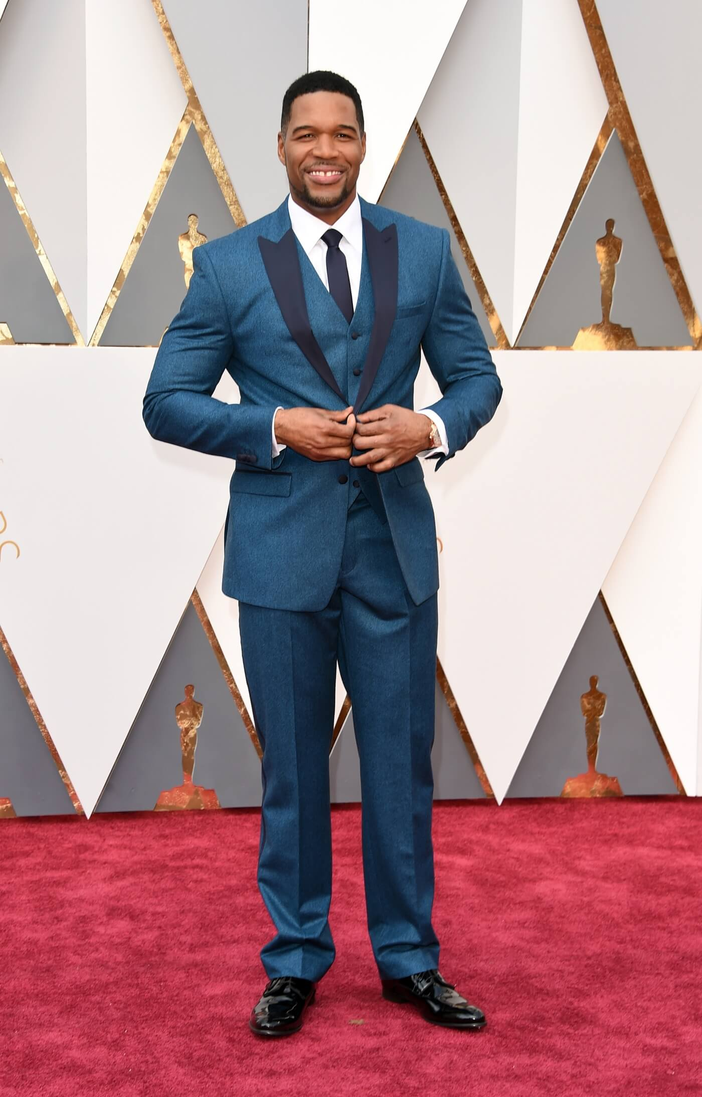 HOLLYWOOD, CA - FEBRUARY 28: TV personality Michael Strahan attends the 88th Annual Academy Awards at Hollywood & Highland Center on February 28, 2016 in Hollywood, California. (Photo by Jason Merritt/Getty Images)
